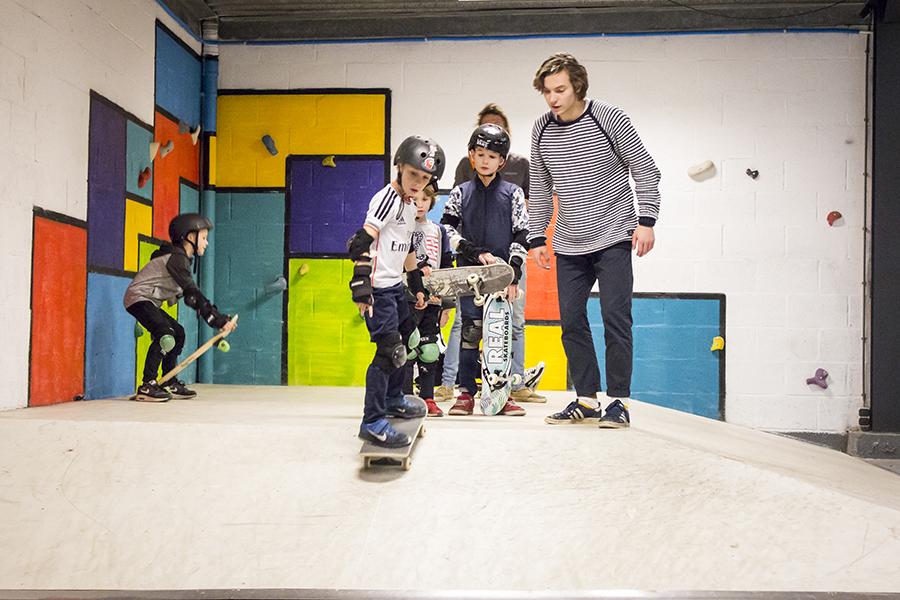 Skateboarden Binnen