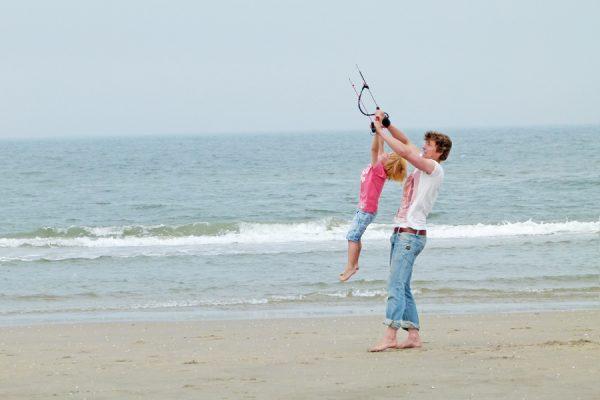 kinderfeest strand powerkiten